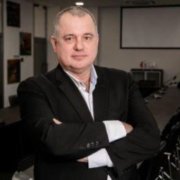 Директор ГАУ ЦИК СО, технопарка «Жигулевская долина» Александр Сергиенко поздравляет с наступающим Новым годом