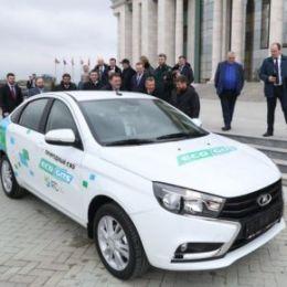 Рамзану Кадырову представили Lada Vesta CNG – автомобиль созданный совместно с резидентом технопарка «Жигулёвская долина»