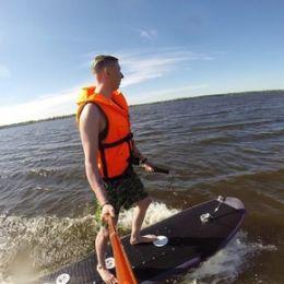 Резидент технопарка «Жигулевская долина» создал электродоску для серфинга