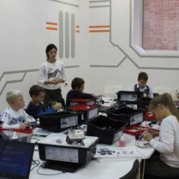 Центр молодежного инновационного творчества «АКВИЛ» приглашает детей и подростков